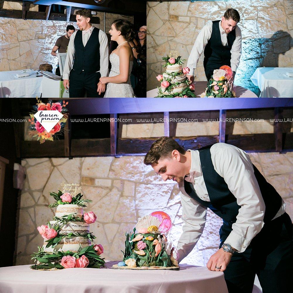 austin-texas-barn-wedding-at-brodie-homestead-wichita-falls-tx-wedding-photographer-dfw-00084.jpg