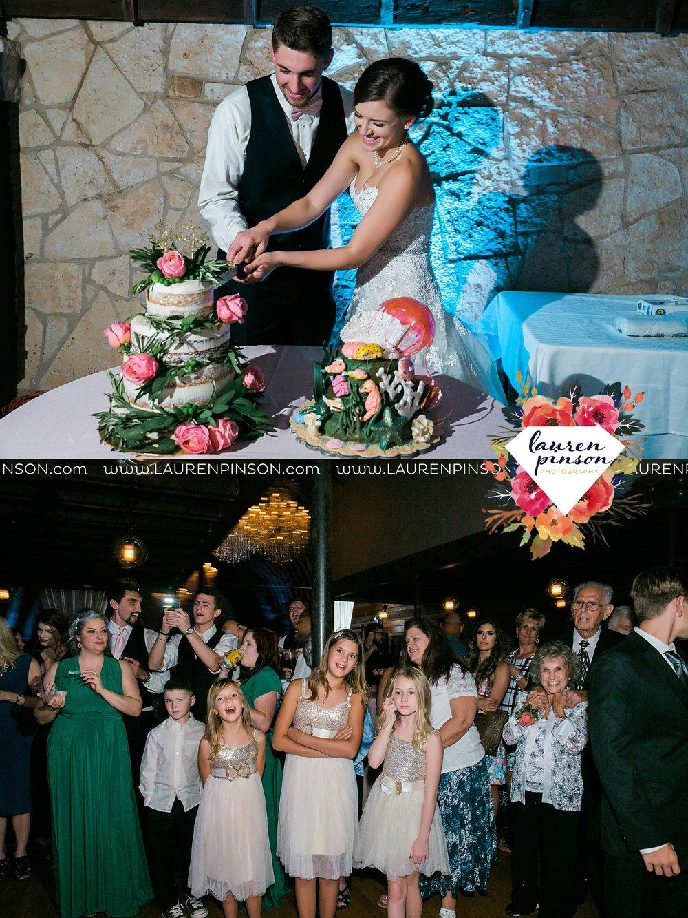 austin-texas-barn-wedding-at-brodie-homestead-wichita-falls-tx-wedding-photographer-dfw-00085.jpg
