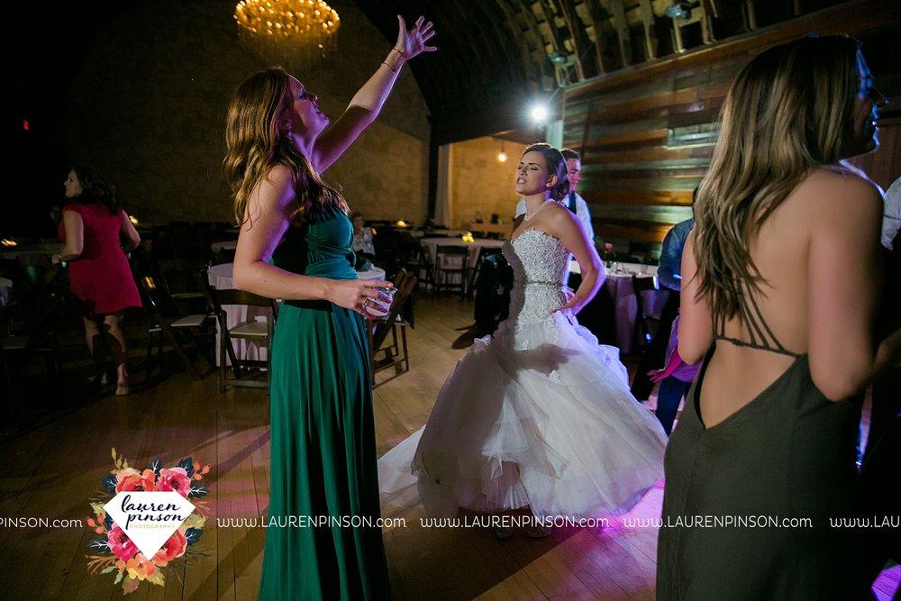 austin-texas-barn-wedding-at-brodie-homestead-wichita-falls-tx-wedding-photographer-dfw-00088.jpg