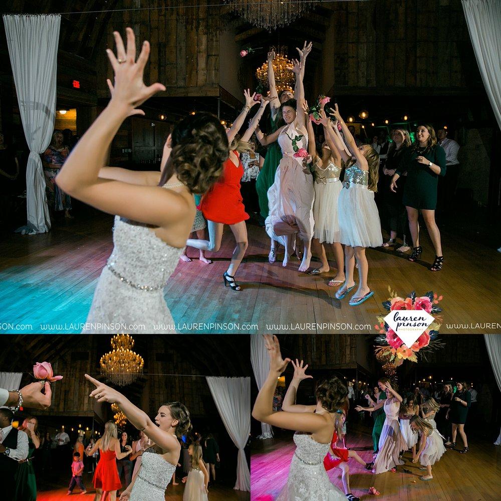 austin-texas-barn-wedding-at-brodie-homestead-wichita-falls-tx-wedding-photographer-dfw-00089.jpg