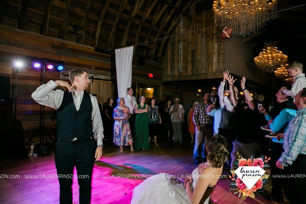 austin-texas-barn-wedding-at-brodie-homestead-wichita-falls-tx-wedding-photographer-dfw-00091.jpg
