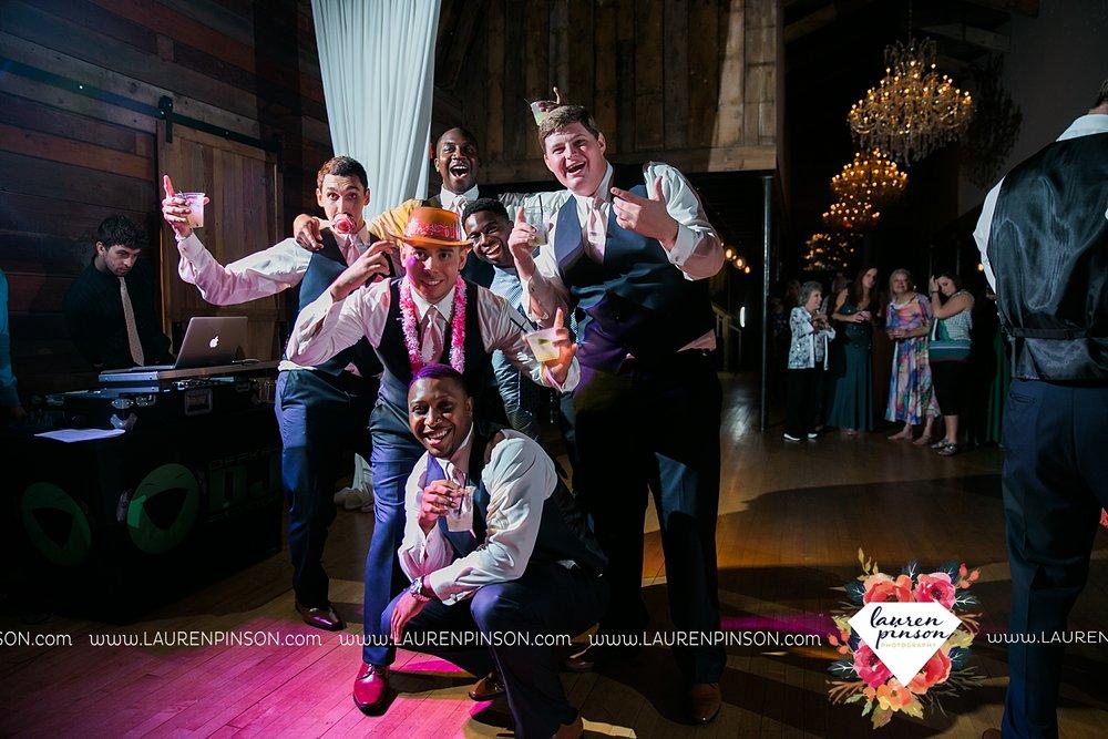 austin-texas-barn-wedding-at-brodie-homestead-wichita-falls-tx-wedding-photographer-dfw-00092.jpg