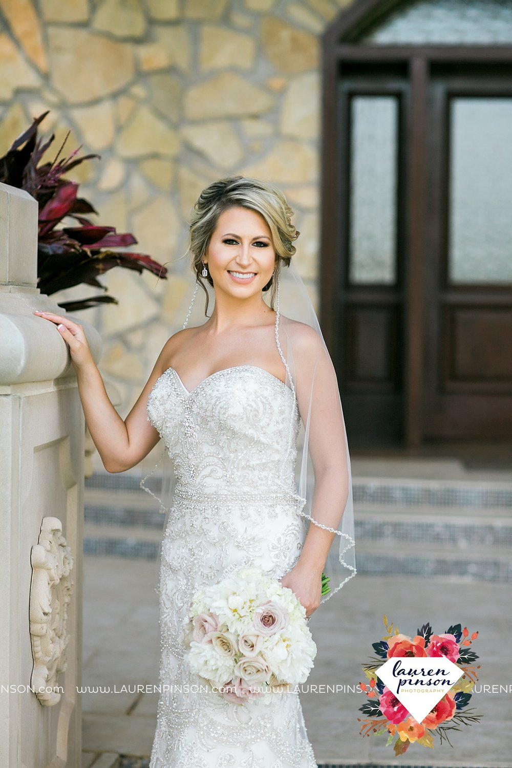 wichita-falls-bridals-nocona-texas-commanche-rose-bridal-session-photographer_3445.jpg