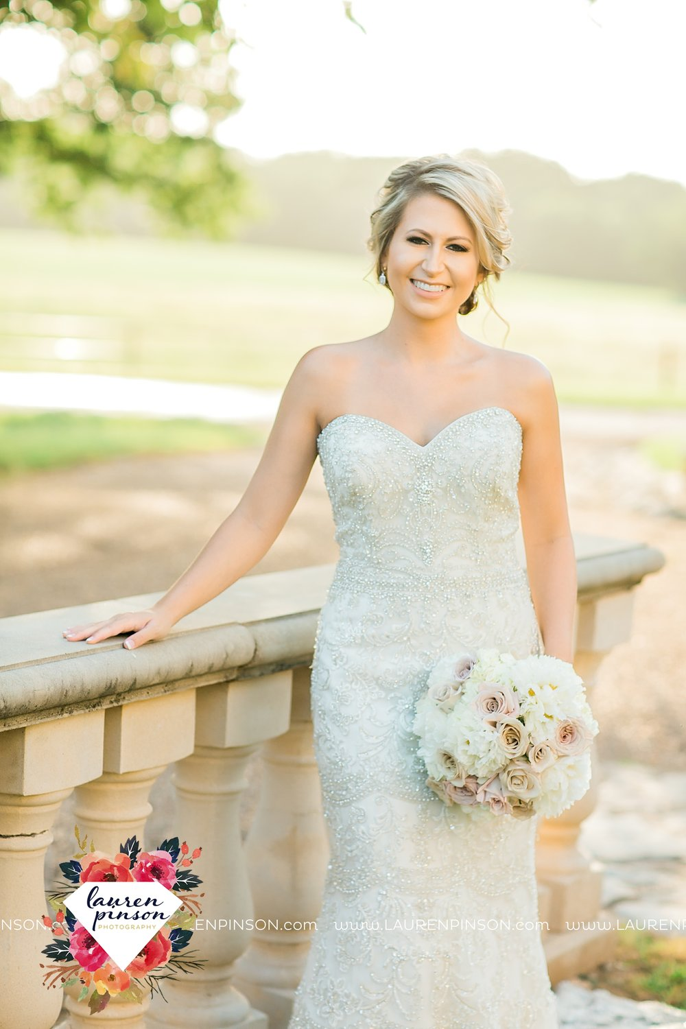 wichita-falls-bridals-nocona-texas-commanche-rose-bridal-session-photographer_3447.jpg