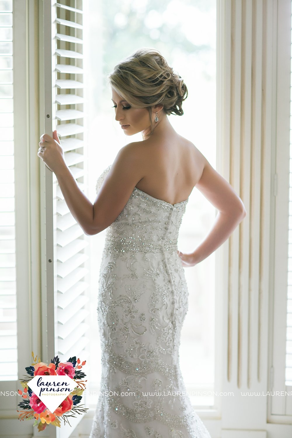 wichita-falls-bridals-nocona-texas-commanche-rose-bridal-session-photographer_3451.jpg