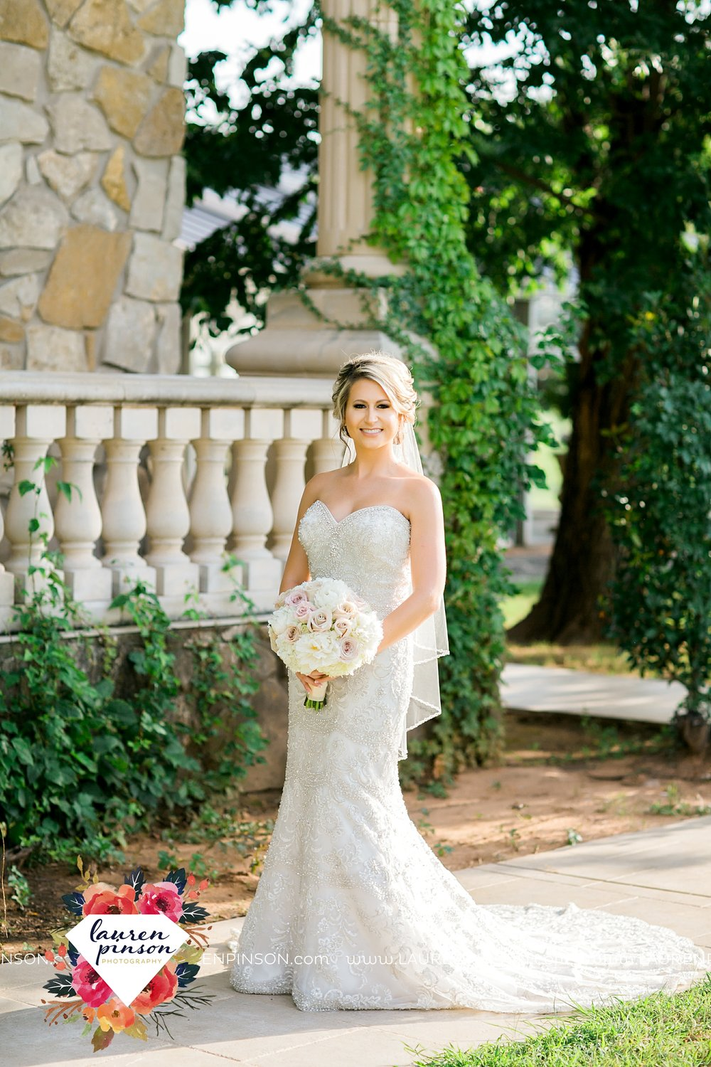 wichita-falls-bridals-nocona-texas-commanche-rose-bridal-session-photographer_3453.jpg