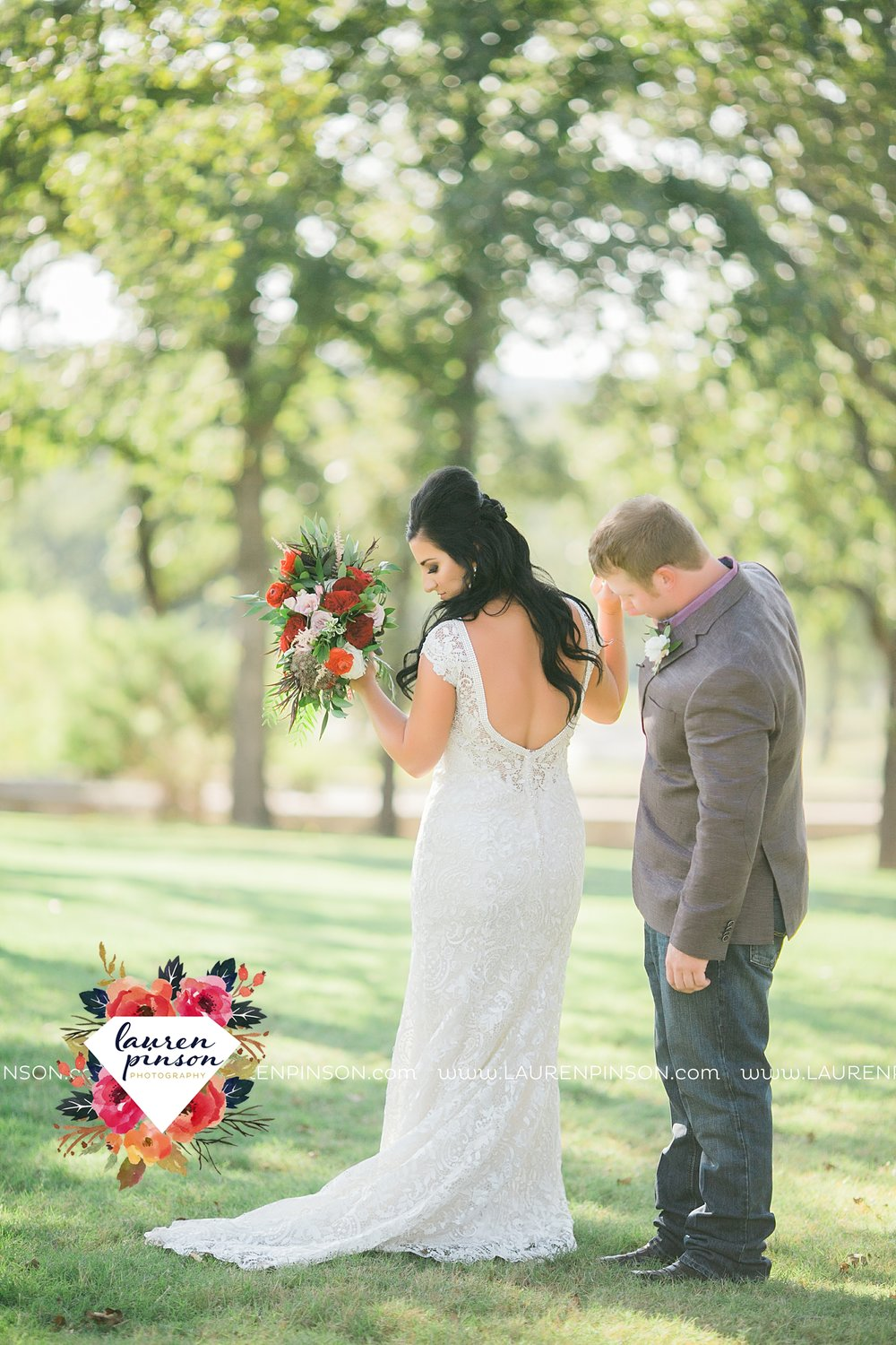 springtown-texas-wedding-at-oak-knoll-ranch-dfw-and-wichita-falls-wedding-photography-lauren-pinson_3516.jpg