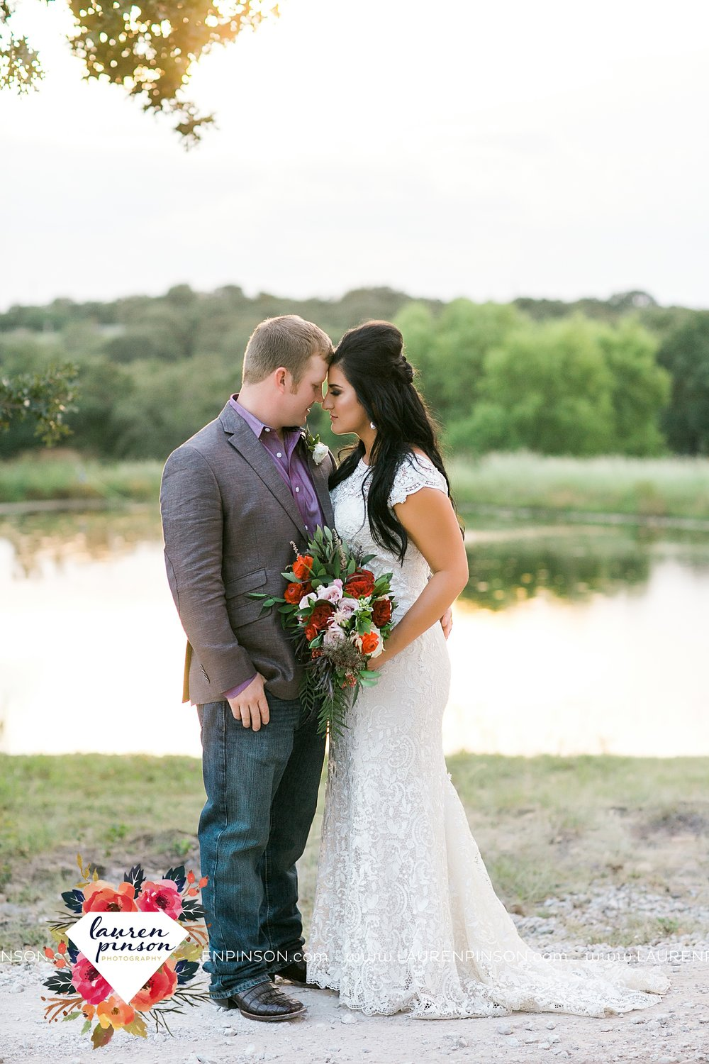 springtown-texas-wedding-at-oak-knoll-ranch-dfw-and-wichita-falls-wedding-photography-lauren-pinson_3552.jpg