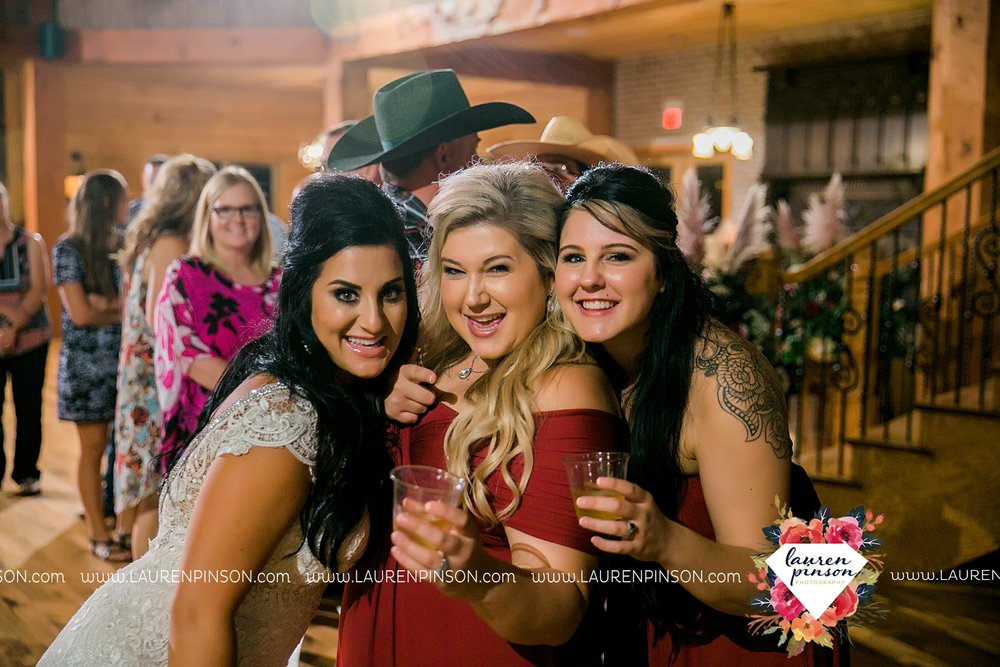 springtown-texas-wedding-at-oak-knoll-ranch-dfw-and-wichita-falls-wedding-photography-lauren-pinson_3568.jpg