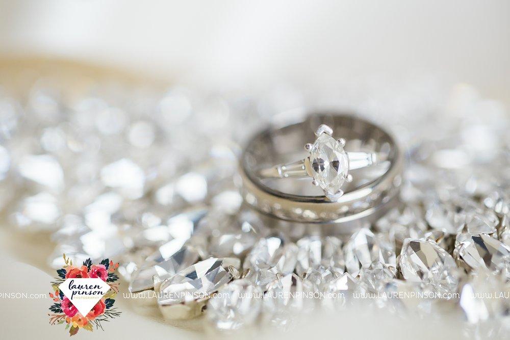 windthorst-texas-wedding-photography-at-st-marys-catholic-church-the-stone-palace-mayfield-events-lauren-pinson-texas-wedding-photographer_3654.jpg