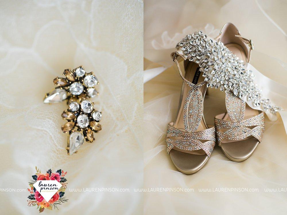 windthorst-texas-wedding-photography-at-st-marys-catholic-church-the-stone-palace-mayfield-events-lauren-pinson-texas-wedding-photographer_3655.jpg