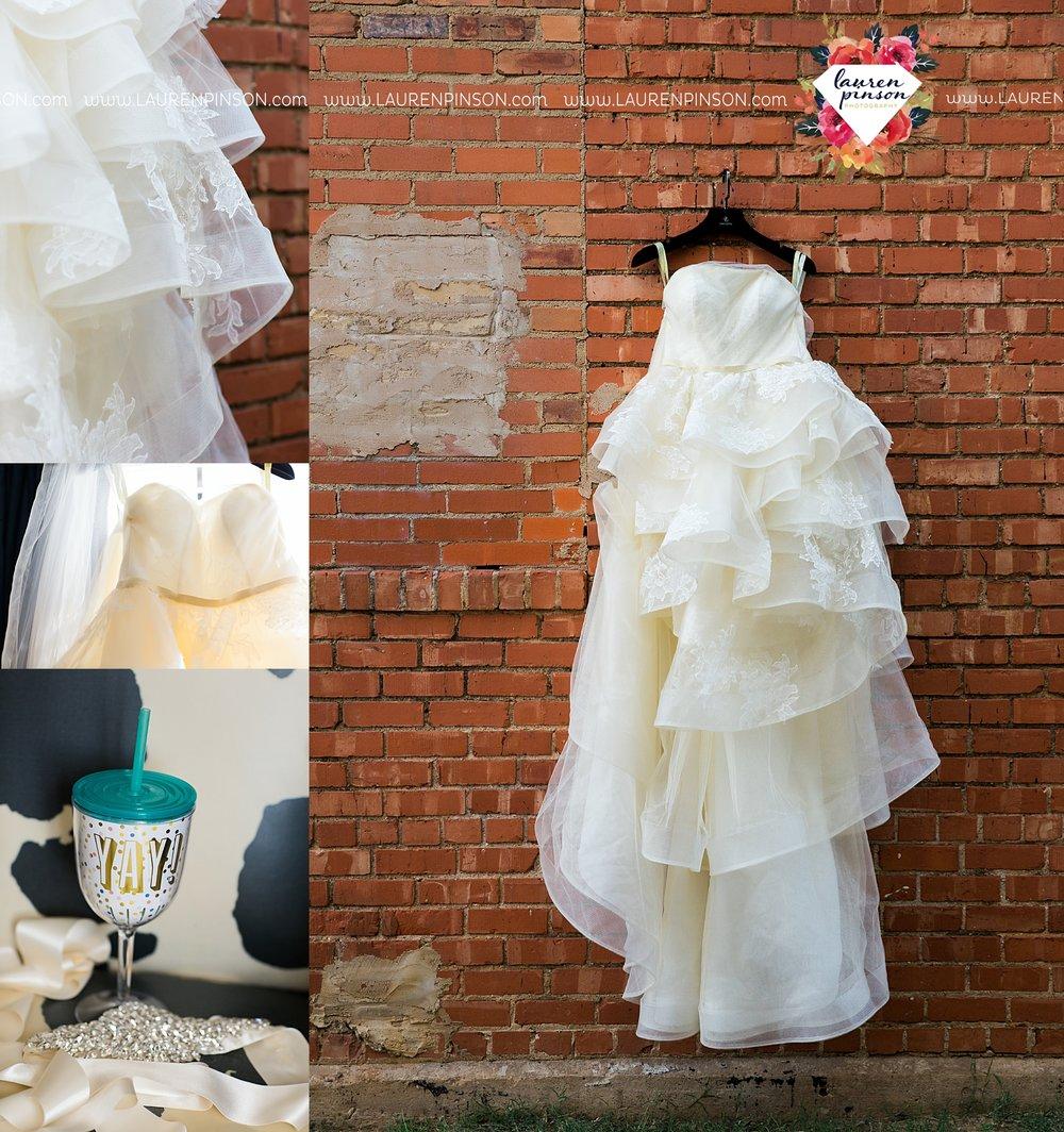 windthorst-texas-wedding-photography-at-st-marys-catholic-church-the-stone-palace-mayfield-events-lauren-pinson-texas-wedding-photographer_3656.jpg