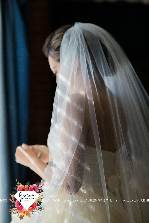 windthorst-texas-wedding-photography-at-st-marys-catholic-church-the-stone-palace-mayfield-events-lauren-pinson-texas-wedding-photographer_3661.jpg