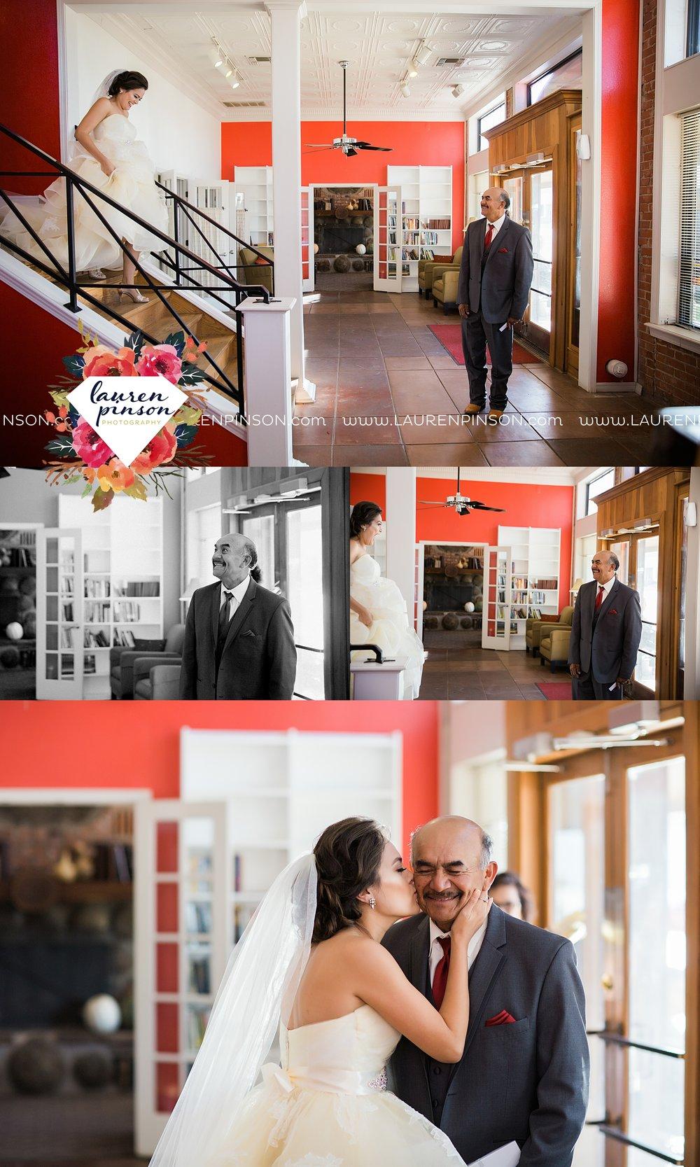 windthorst-texas-wedding-photography-at-st-marys-catholic-church-the-stone-palace-mayfield-events-lauren-pinson-texas-wedding-photographer_3664.jpg