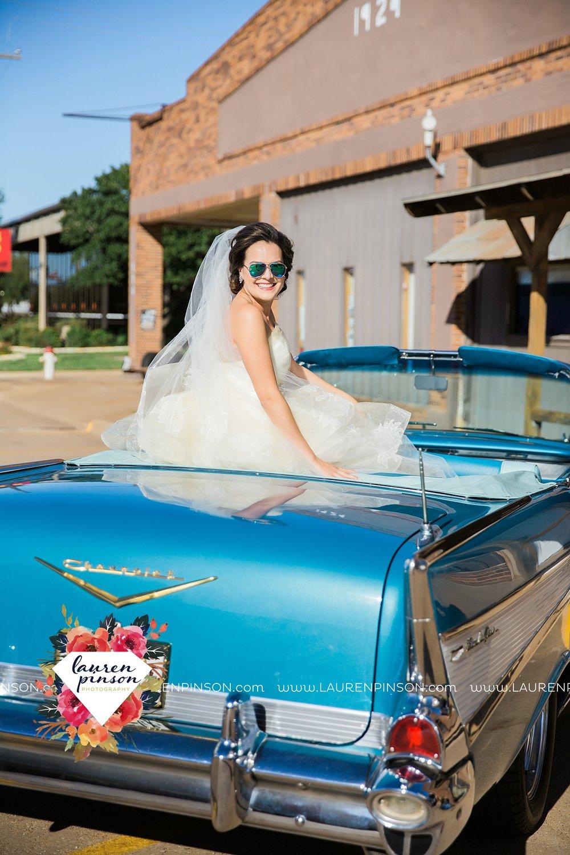 windthorst-texas-wedding-photography-at-st-marys-catholic-church-the-stone-palace-mayfield-events-lauren-pinson-texas-wedding-photographer_3666.jpg