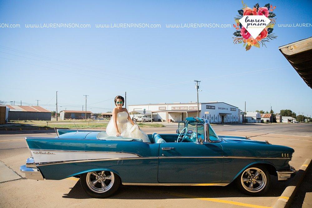 windthorst-texas-wedding-photography-at-st-marys-catholic-church-the-stone-palace-mayfield-events-lauren-pinson-texas-wedding-photographer_3667.jpg