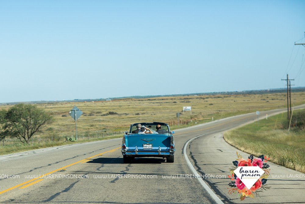 windthorst-texas-wedding-photography-at-st-marys-catholic-church-the-stone-palace-mayfield-events-lauren-pinson-texas-wedding-photographer_3668.jpg
