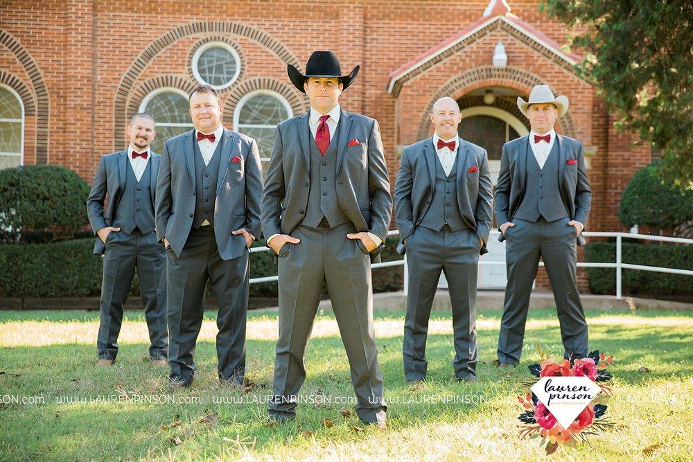 windthorst-texas-wedding-photography-at-st-marys-catholic-church-the-stone-palace-mayfield-events-lauren-pinson-texas-wedding-photographer_3671.jpg