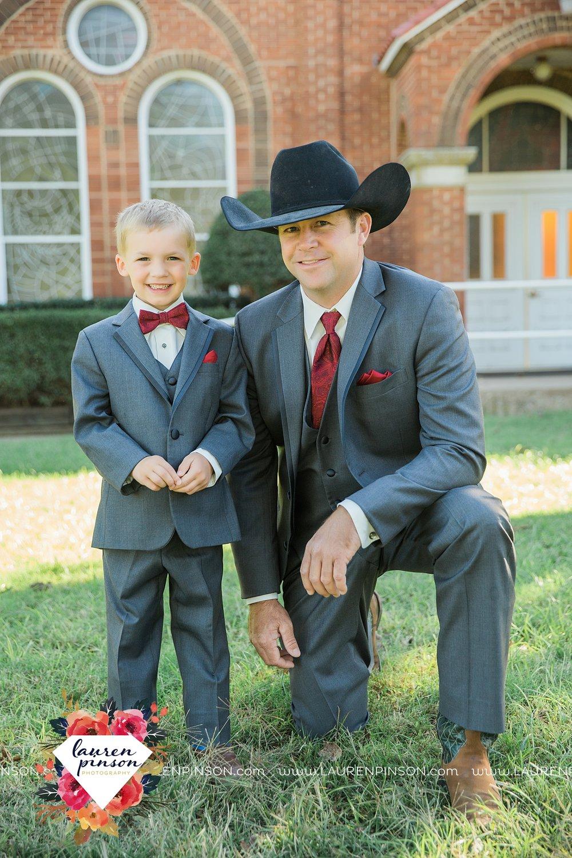 windthorst-texas-wedding-photography-at-st-marys-catholic-church-the-stone-palace-mayfield-events-lauren-pinson-texas-wedding-photographer_3673.jpg