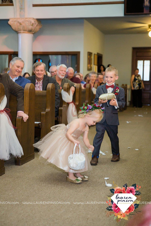 windthorst-texas-wedding-photography-at-st-marys-catholic-church-the-stone-palace-mayfield-events-lauren-pinson-texas-wedding-photographer_3676.jpg