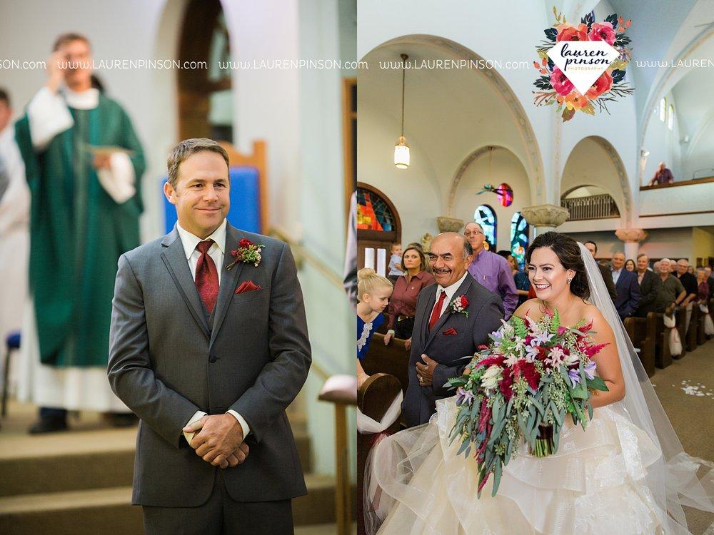 windthorst-texas-wedding-photography-at-st-marys-catholic-church-the-stone-palace-mayfield-events-lauren-pinson-texas-wedding-photographer_3679.jpg