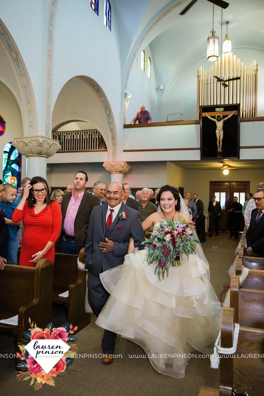 windthorst-texas-wedding-photography-at-st-marys-catholic-church-the-stone-palace-mayfield-events-lauren-pinson-texas-wedding-photographer_3678.jpg