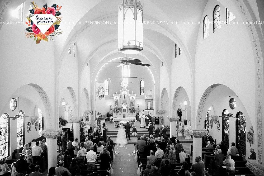 windthorst-texas-wedding-photography-at-st-marys-catholic-church-the-stone-palace-mayfield-events-lauren-pinson-texas-wedding-photographer_3681.jpg
