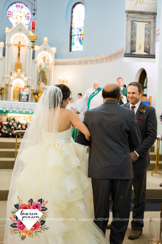 windthorst-texas-wedding-photography-at-st-marys-catholic-church-the-stone-palace-mayfield-events-lauren-pinson-texas-wedding-photographer_3680.jpg