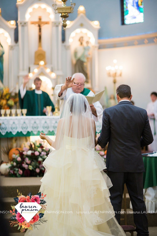 windthorst-texas-wedding-photography-at-st-marys-catholic-church-the-stone-palace-mayfield-events-lauren-pinson-texas-wedding-photographer_3684.jpg