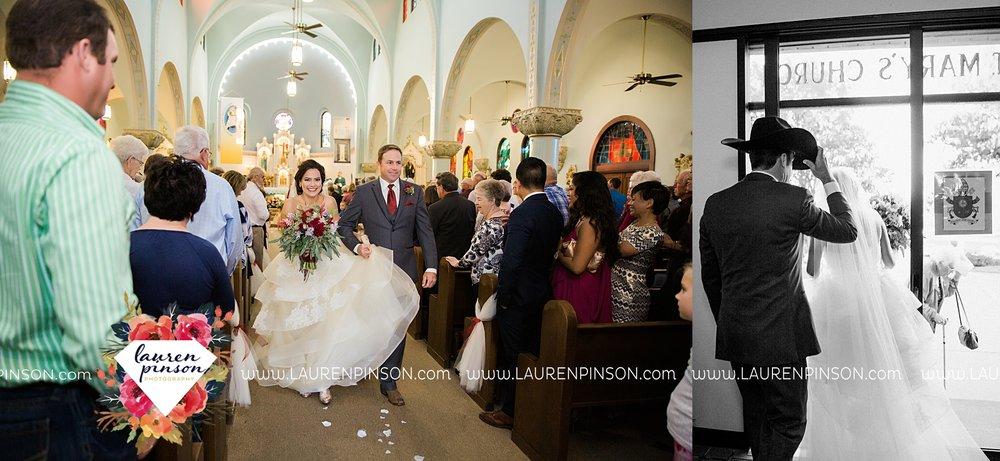 windthorst-texas-wedding-photography-at-st-marys-catholic-church-the-stone-palace-mayfield-events-lauren-pinson-texas-wedding-photographer_3686.jpg