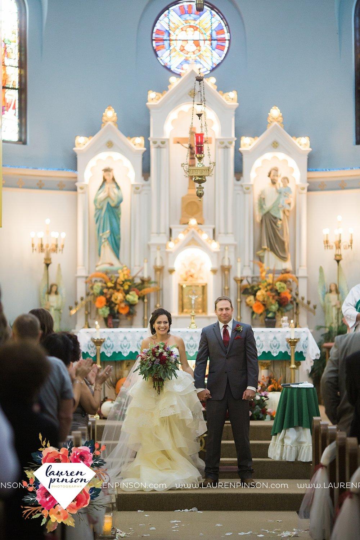 windthorst-texas-wedding-photography-at-st-marys-catholic-church-the-stone-palace-mayfield-events-lauren-pinson-texas-wedding-photographer_3685.jpg