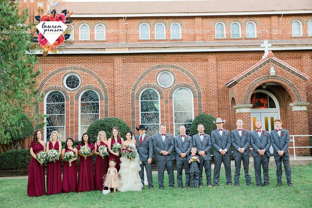 windthorst-texas-wedding-photography-at-st-marys-catholic-church-the-stone-palace-mayfield-events-lauren-pinson-texas-wedding-photographer_3687.jpg