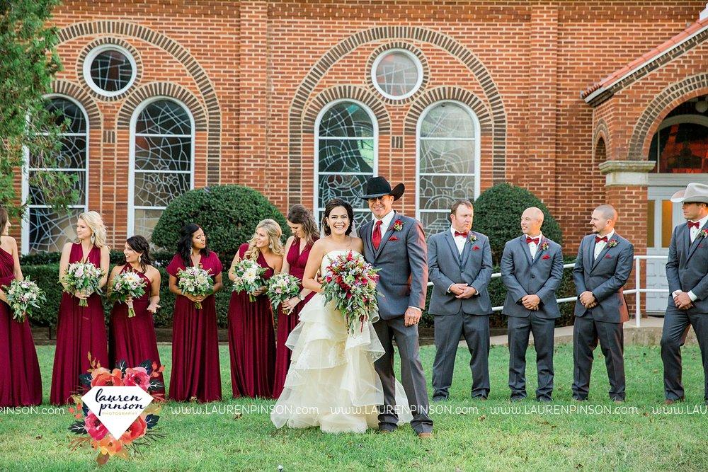 windthorst-texas-wedding-photography-at-st-marys-catholic-church-the-stone-palace-mayfield-events-lauren-pinson-texas-wedding-photographer_3688.jpg