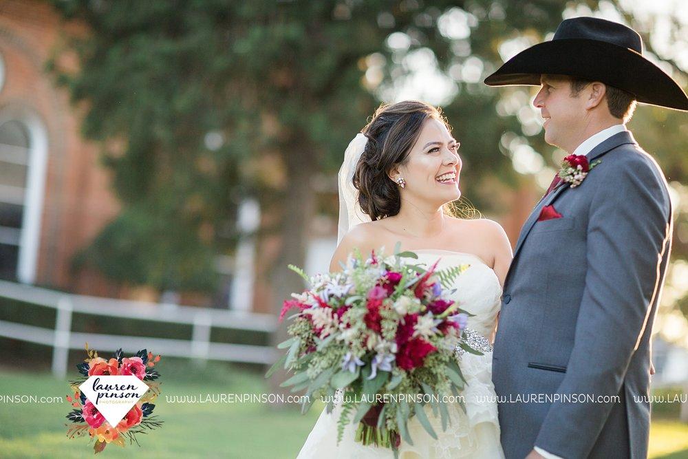 windthorst-texas-wedding-photography-at-st-marys-catholic-church-the-stone-palace-mayfield-events-lauren-pinson-texas-wedding-photographer_3695.jpg