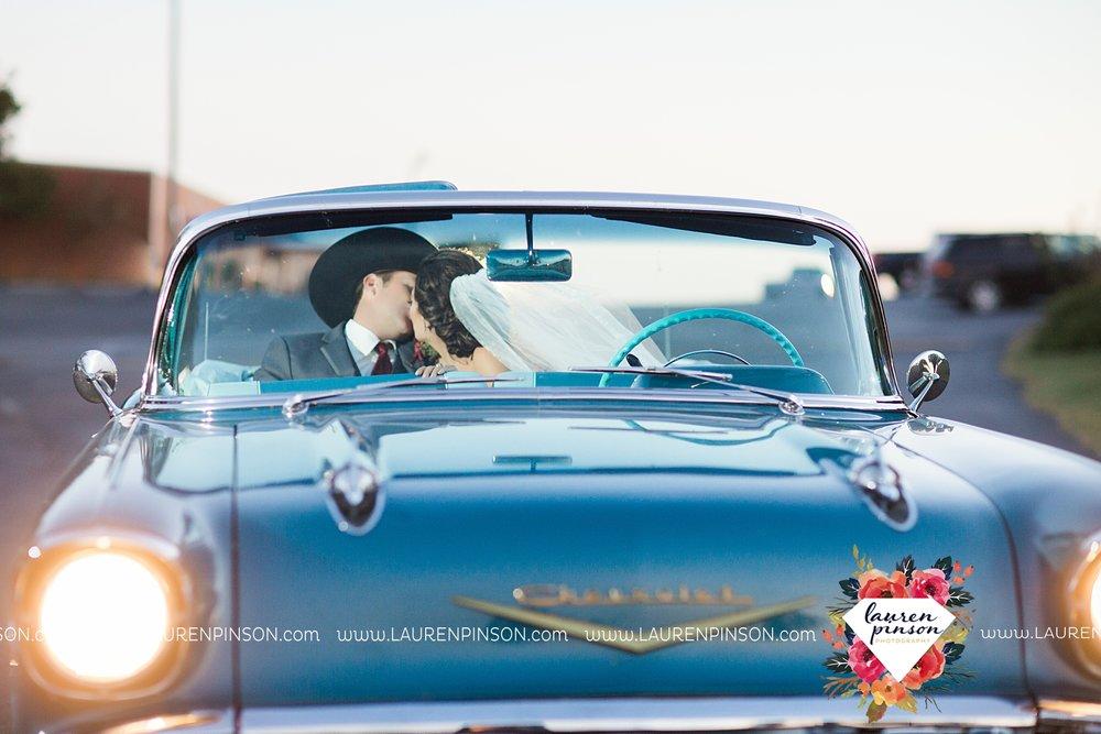 windthorst-texas-wedding-photography-at-st-marys-catholic-church-the-stone-palace-mayfield-events-lauren-pinson-texas-wedding-photographer_3704.jpg