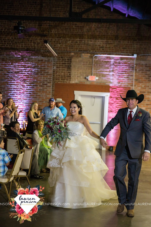 windthorst-texas-wedding-photography-at-st-marys-catholic-church-the-stone-palace-mayfield-events-lauren-pinson-texas-wedding-photographer_3713.jpg
