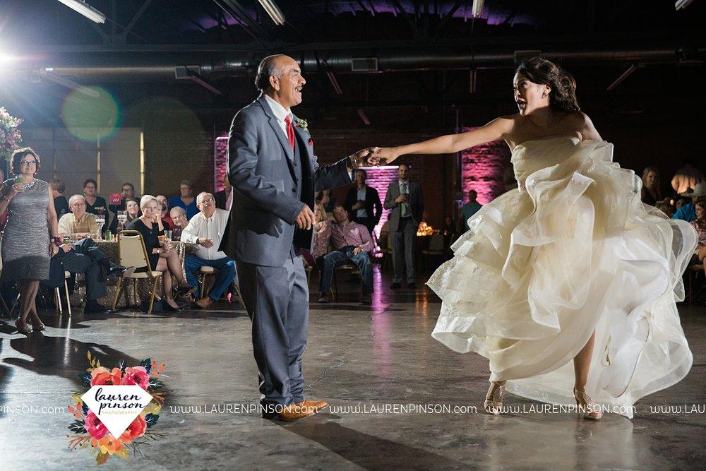 windthorst-texas-wedding-photography-at-st-marys-catholic-church-the-stone-palace-mayfield-events-lauren-pinson-texas-wedding-photographer_3716.jpg