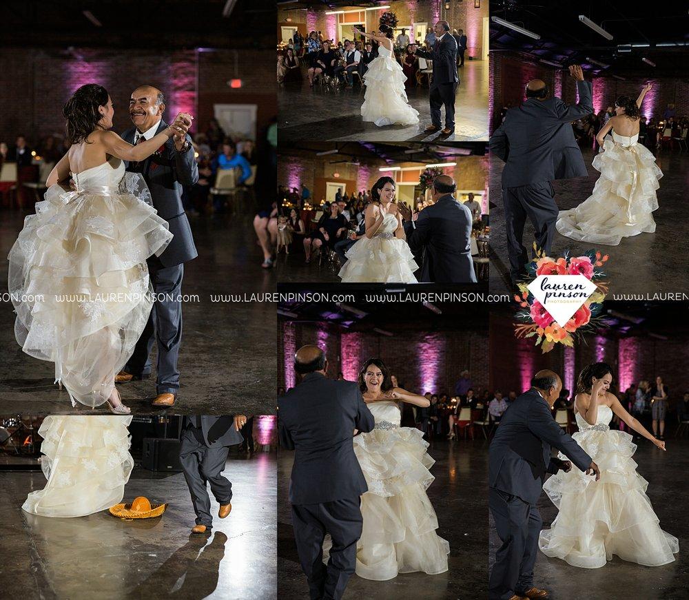 windthorst-texas-wedding-photography-at-st-marys-catholic-church-the-stone-palace-mayfield-events-lauren-pinson-texas-wedding-photographer_3717.jpg