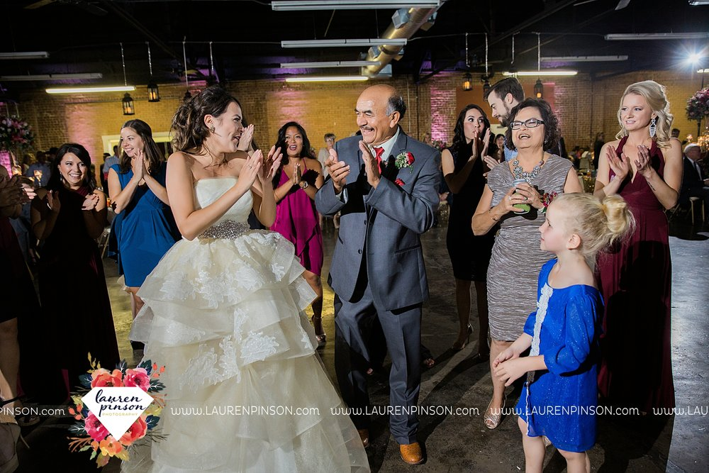 windthorst-texas-wedding-photography-at-st-marys-catholic-church-the-stone-palace-mayfield-events-lauren-pinson-texas-wedding-photographer_3718.jpg