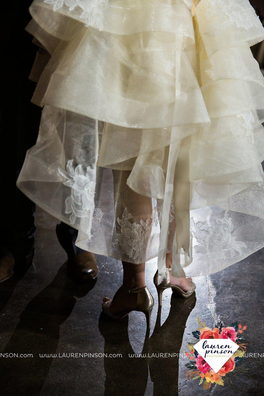 windthorst-texas-wedding-photography-at-st-marys-catholic-church-the-stone-palace-mayfield-events-lauren-pinson-texas-wedding-photographer_3720.jpg