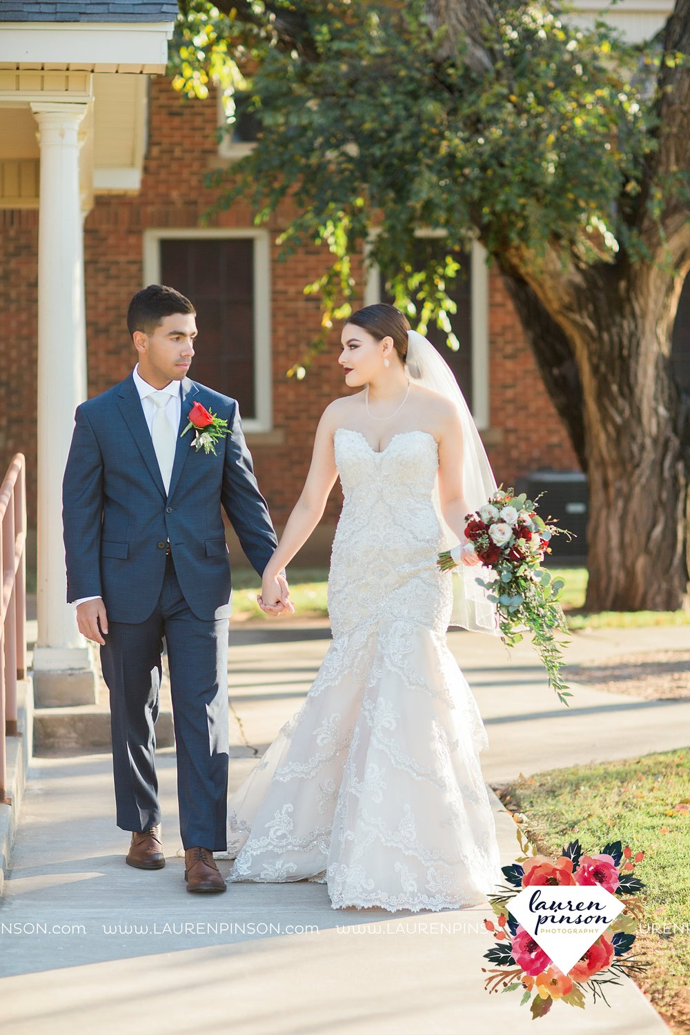 wichita-falls-texas-wedding-courthouse-elopement-photographer-elope_3839.jpg