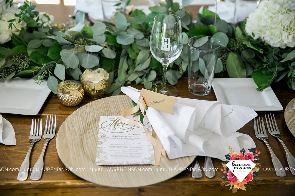 lake-possum-kingdom-harbor-at-the-grille-wedding-with-gold-dust-vintage-kate-foley-lauren-pinson-photography-wichita-falls-dfw-wedding-photographer-00060.jpg