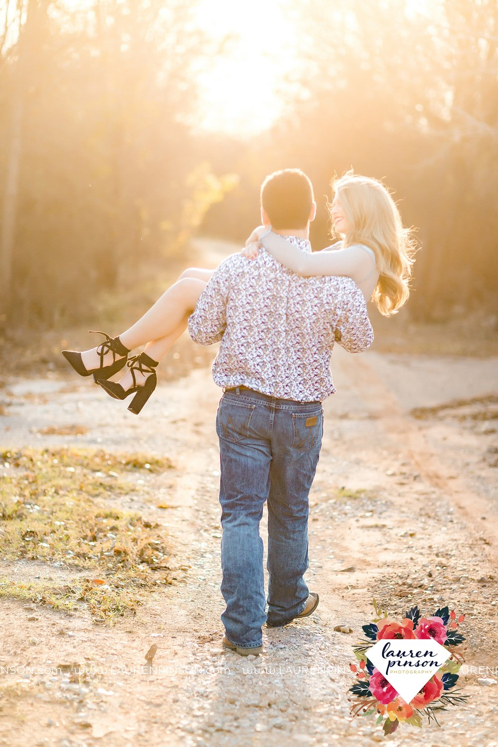 wichita-falls-texas-weddiing-photographer-engagement-session_3988.jpg