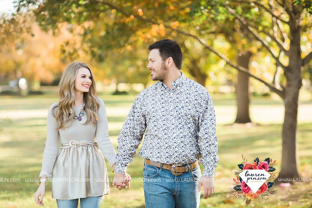 wichita-falls-texas-weddiing-photographer-engagement-session_3977.jpg