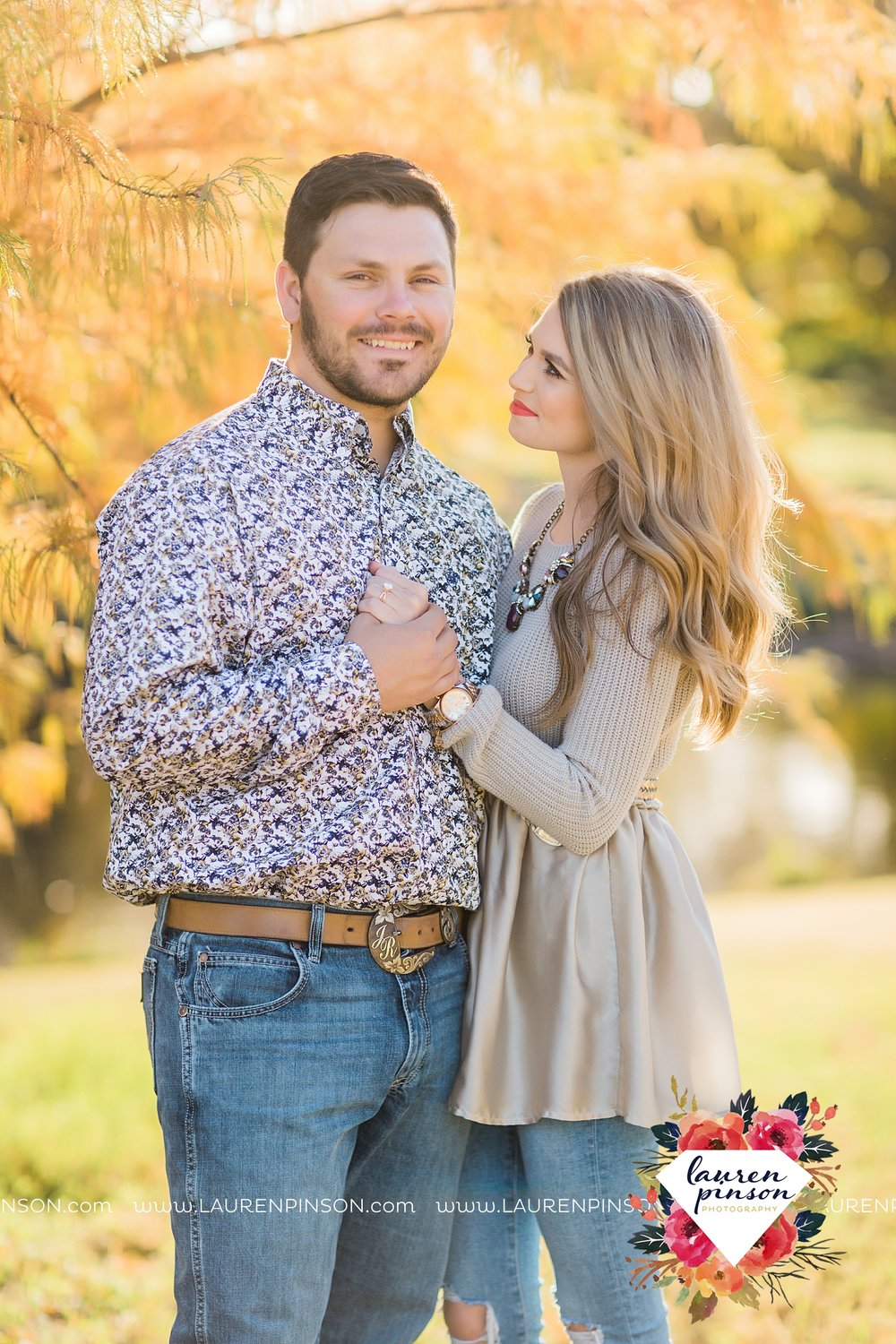 wichita-falls-texas-weddiing-photographer-engagement-session_3974.jpg
