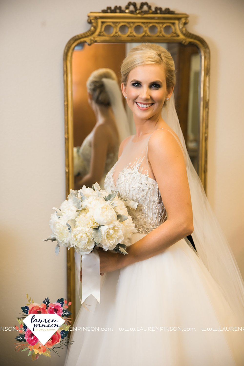 wichita-falls-texas-weddiing-photographer-the-wellingtong-two-clever-chicks-our-lady-queen-of-peace-winter-wedding-photography_4056.jpg