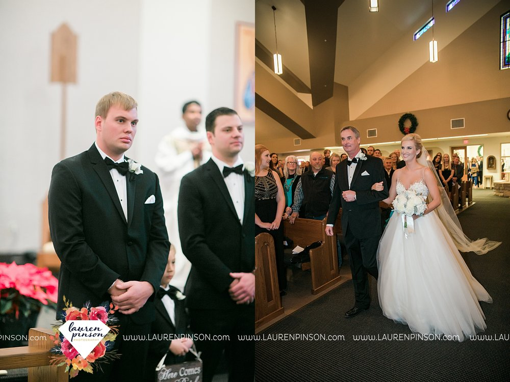 wichita-falls-texas-weddiing-photographer-the-wellingtong-two-clever-chicks-our-lady-queen-of-peace-winter-wedding-photography_4058.jpg