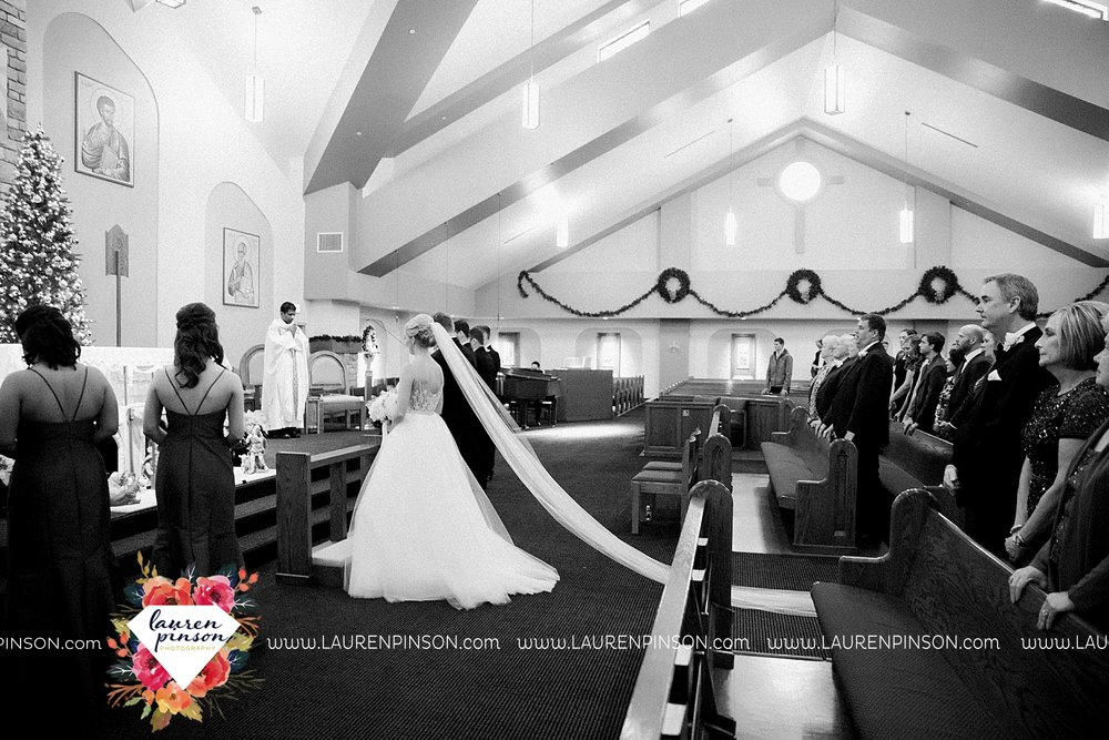 wichita-falls-texas-weddiing-photographer-the-wellingtong-two-clever-chicks-our-lady-queen-of-peace-winter-wedding-photography_4062.jpg