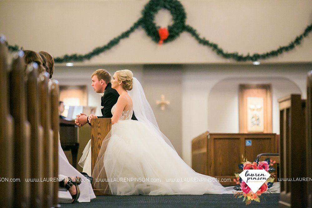 wichita-falls-texas-weddiing-photographer-the-wellingtong-two-clever-chicks-our-lady-queen-of-peace-winter-wedding-photography_4066.jpg