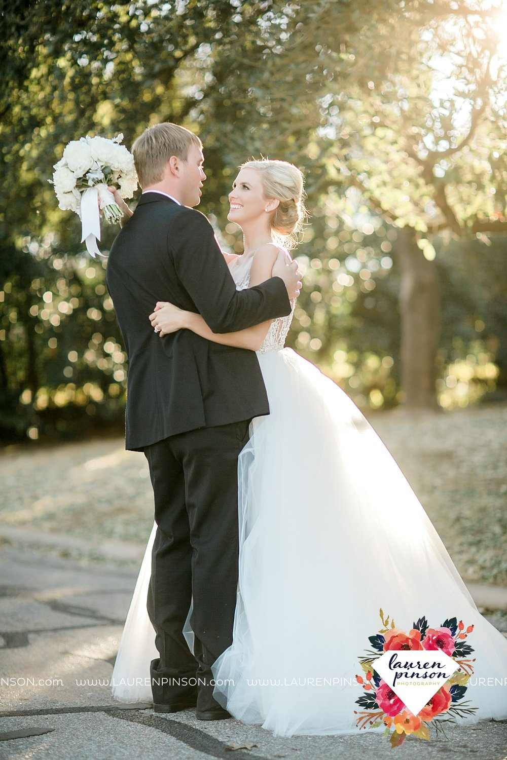 wichita-falls-texas-weddiing-photographer-the-wellingtong-two-clever-chicks-our-lady-queen-of-peace-winter-wedding-photography_4080.jpg